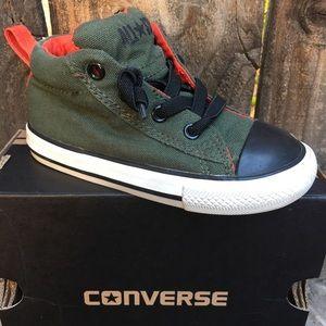 d1bb2039d9f5 Converse toddler shoes Sz 8 Army Green Black